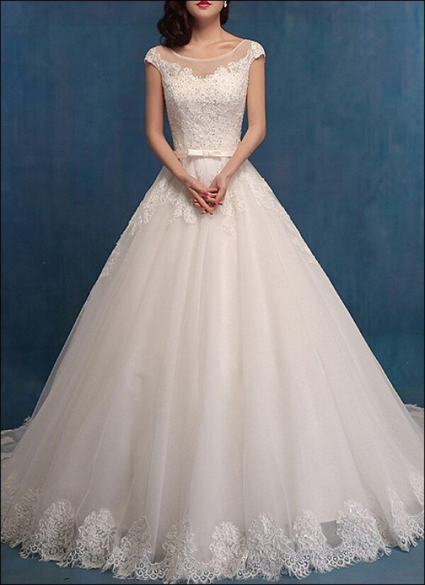 Princess wedding dress with lace and Ärmelchen | Lafanta | Abend- und Brautmode