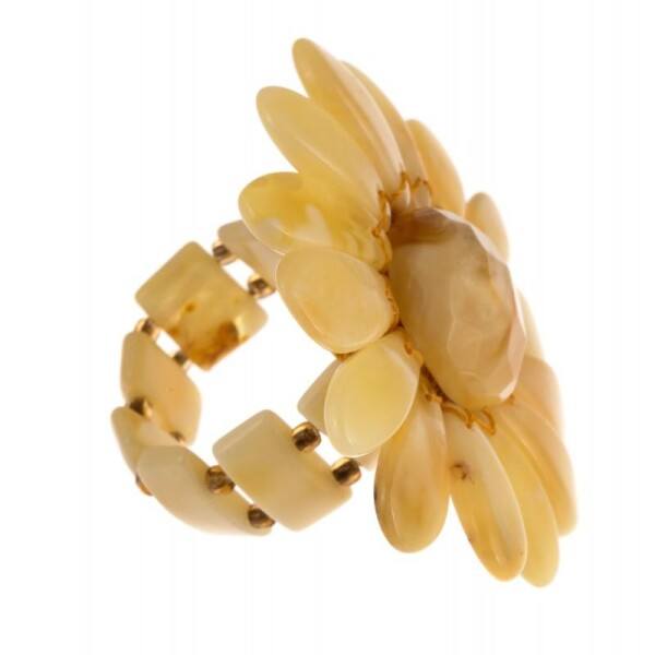 White amber ring | BalticBuy