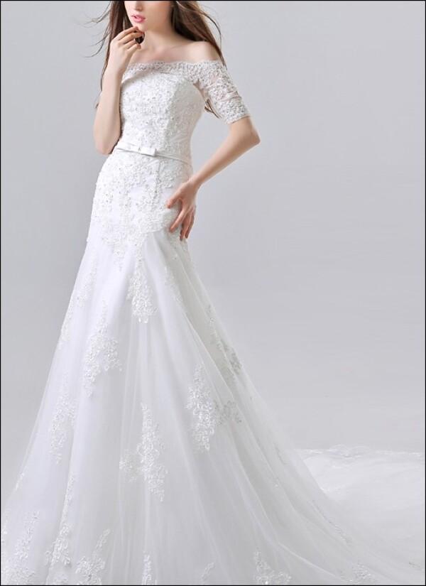 separation shoes 301d3 fcf85 Hochwertiges Brautkleid aus Spitze mit Ärmeln