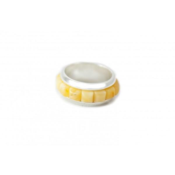 Silber Ring mit leichtem Bernstein