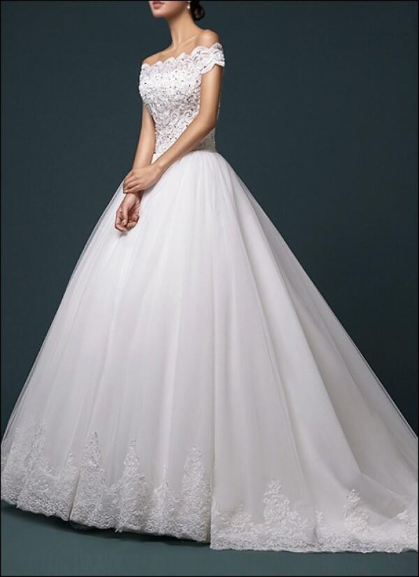 Prinzessin Brautkleid Mit Carmen Ausschnitt Von Lafanta Abend Und